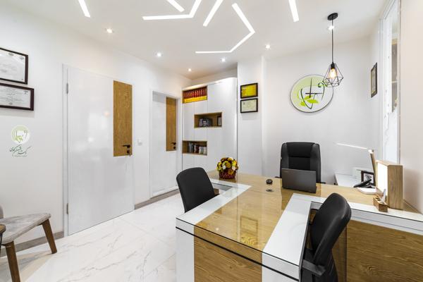 دفتر اداری -نگاهی به امکانات مطب جدید دکتر کاوسی