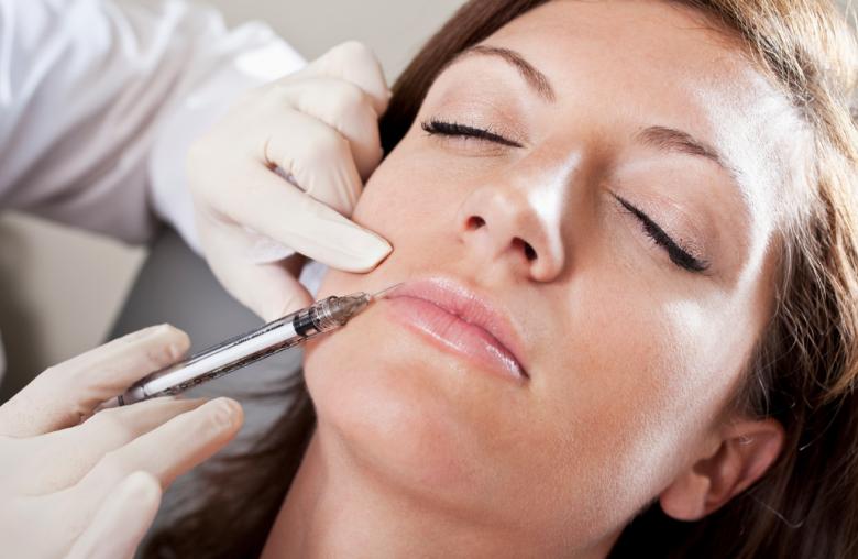 واکنش پارلمان بریتانیا به درمانهای زیبایی در دندانپزشکی