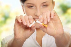 آیا انجام ایمپلنت برای افراد سیگاری ممکن است؟ مقالات وبسایت دکتر افشین کاوسی